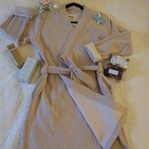 UGGs Womens Clarence Robe- Oatmeal -Medium